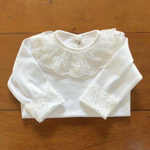 647632909 Lindo body com gola de renda. O tecido é 100% algodão, super macio para a  pele delicada da sua bebê. Tamanho 0-3 meses - BFC706