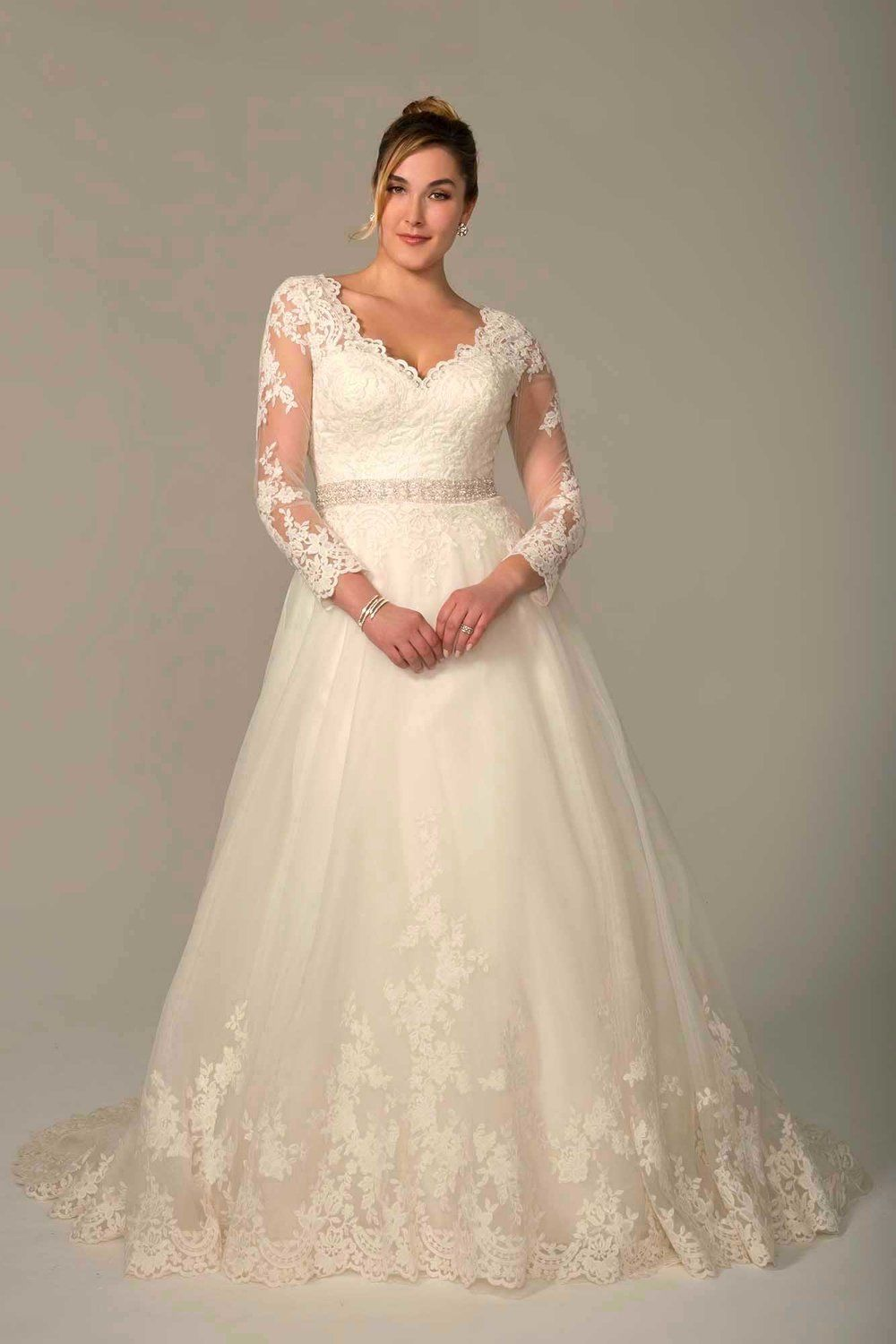 Curvy Brides Venus Gowns Nz In 2020 Wedding Dress Store Wedding Dresses Bridal Wedding Dresses