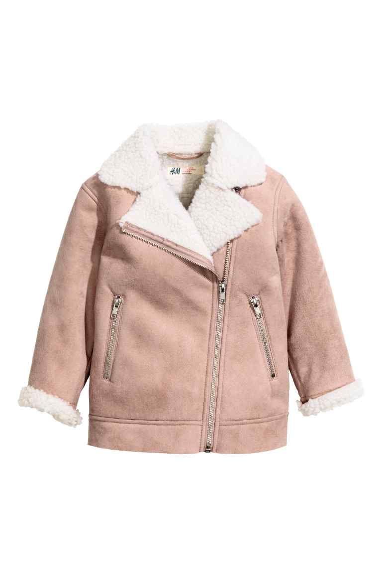 H M vous propose une large gamme de vêtements pour fille de 18 mois à 8 ans.  Veste aviateur doublée peluche   H M 807b5a0b7be