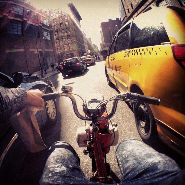 """Streetartist JR in New York – """"The High Line"""" (9 Pictures) > Design und so, Film-/ Fotokunst, Installationen, Streetstyle, urban art > artist, french, high line, jr, murla, New York, pedestrian walk"""