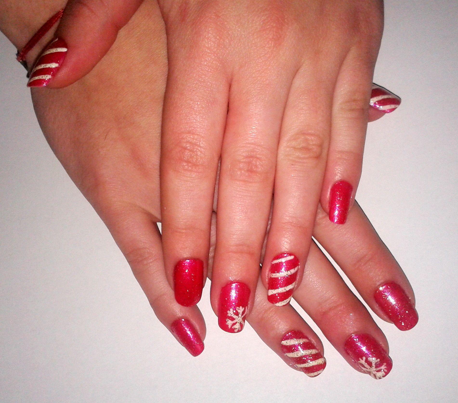 #Christmas Nails #lollipop #snowflake #sparkle #red