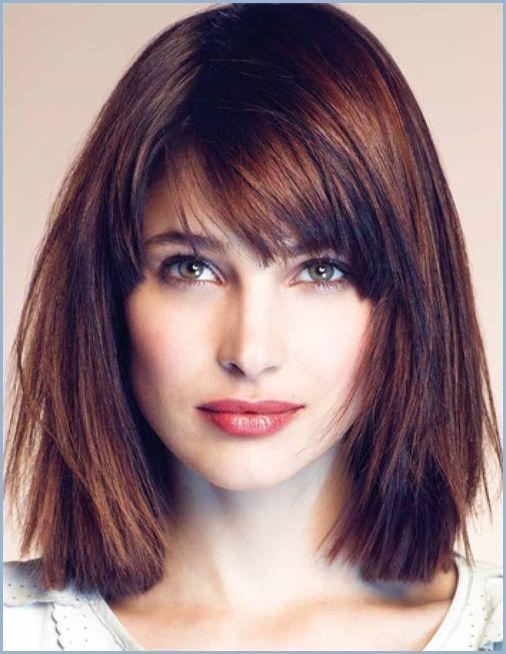 Schmeichelhafte Frisuren Fur Eckige Gesichter Frisuren Fur Haar Bangs With Medium Hair Square Face Hairstyles Hair Styles
