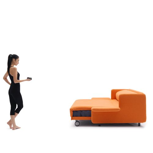 A sofa that automatically turns into a bed -- Divano letto WOW ...