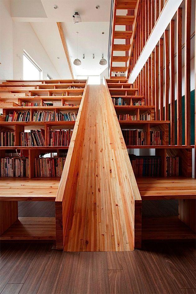 Ein Haus mit toller Bibliothek-Rutschen-Kino-Treppe KlonBlog - ideen bibliothek zu hause gestalten