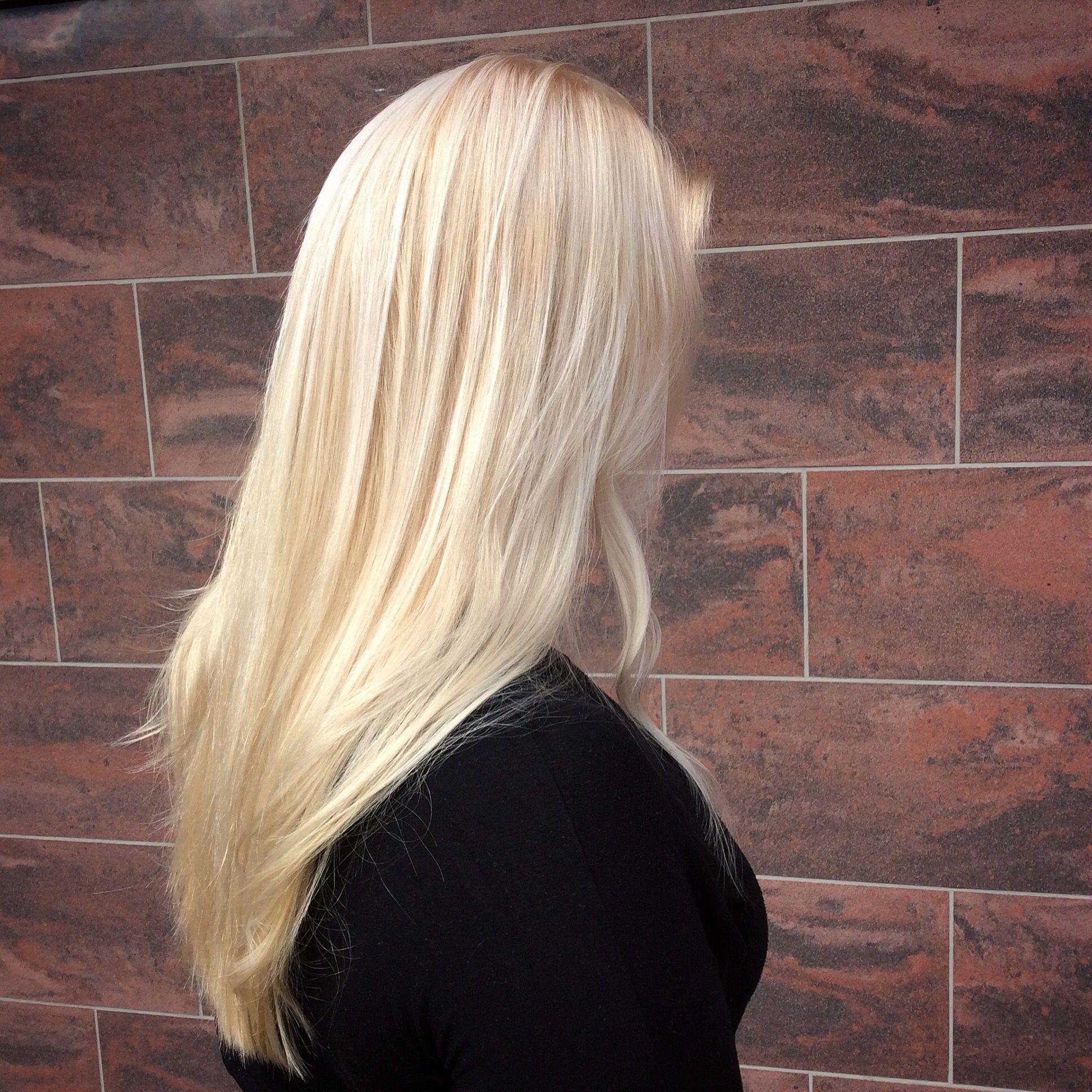 Long blond hair - pitkät vaaleat hiukset #blondhair #babylights #vaaleathiukset #olaplex
