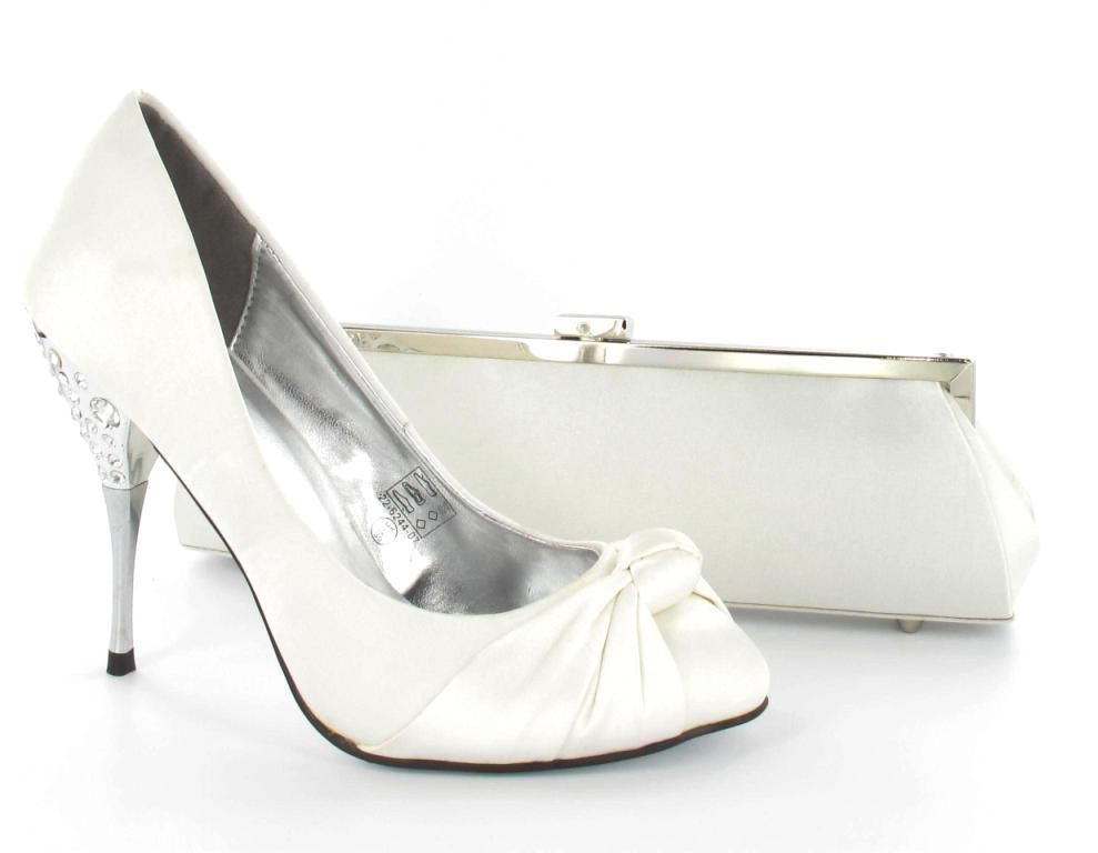 17 Best images about wedding shoes on Pinterest | Wedding shoes ...
