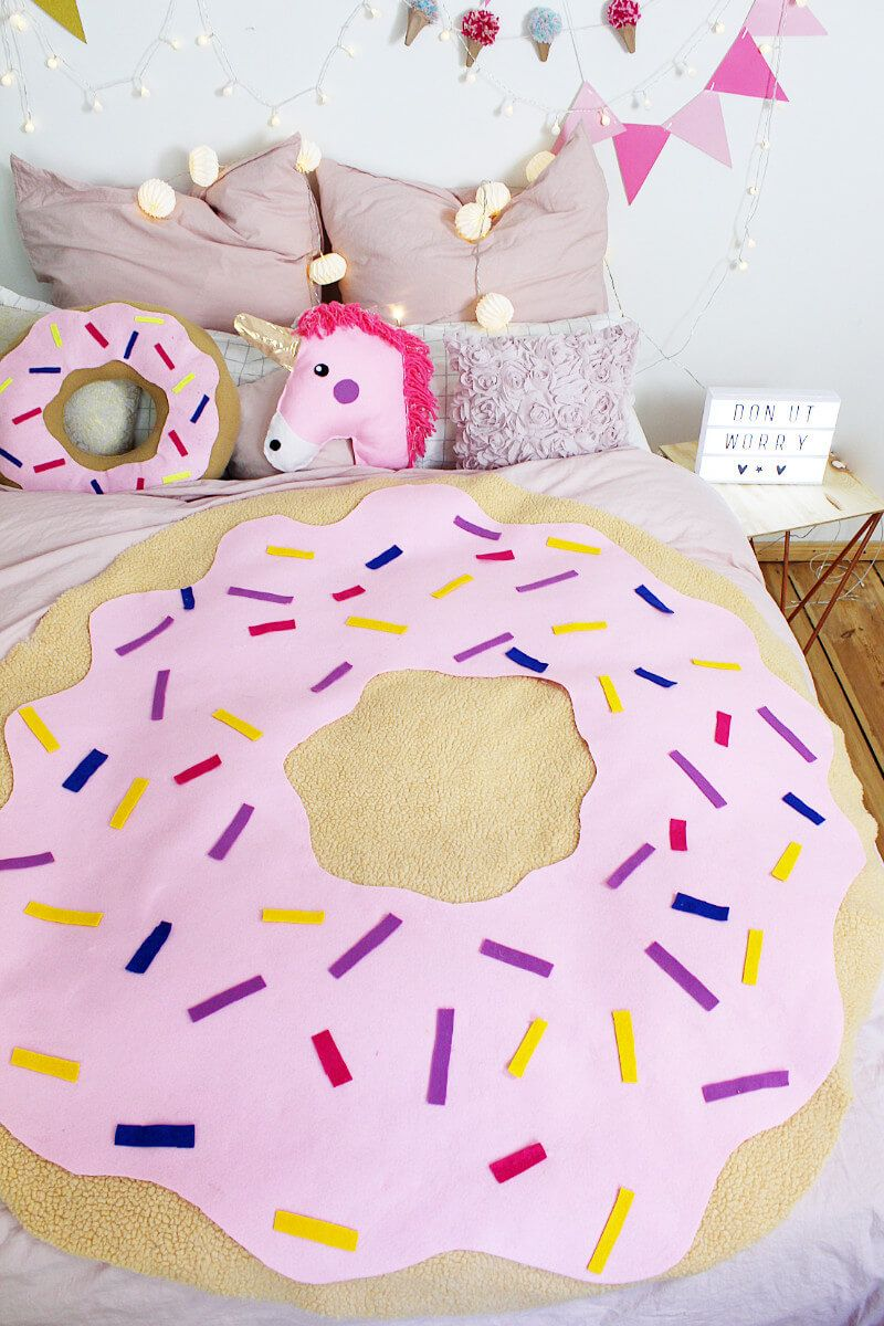 diy donut decke ohne n hen tumblr zimmer deko selber machen diy donuts craft and blanket. Black Bedroom Furniture Sets. Home Design Ideas