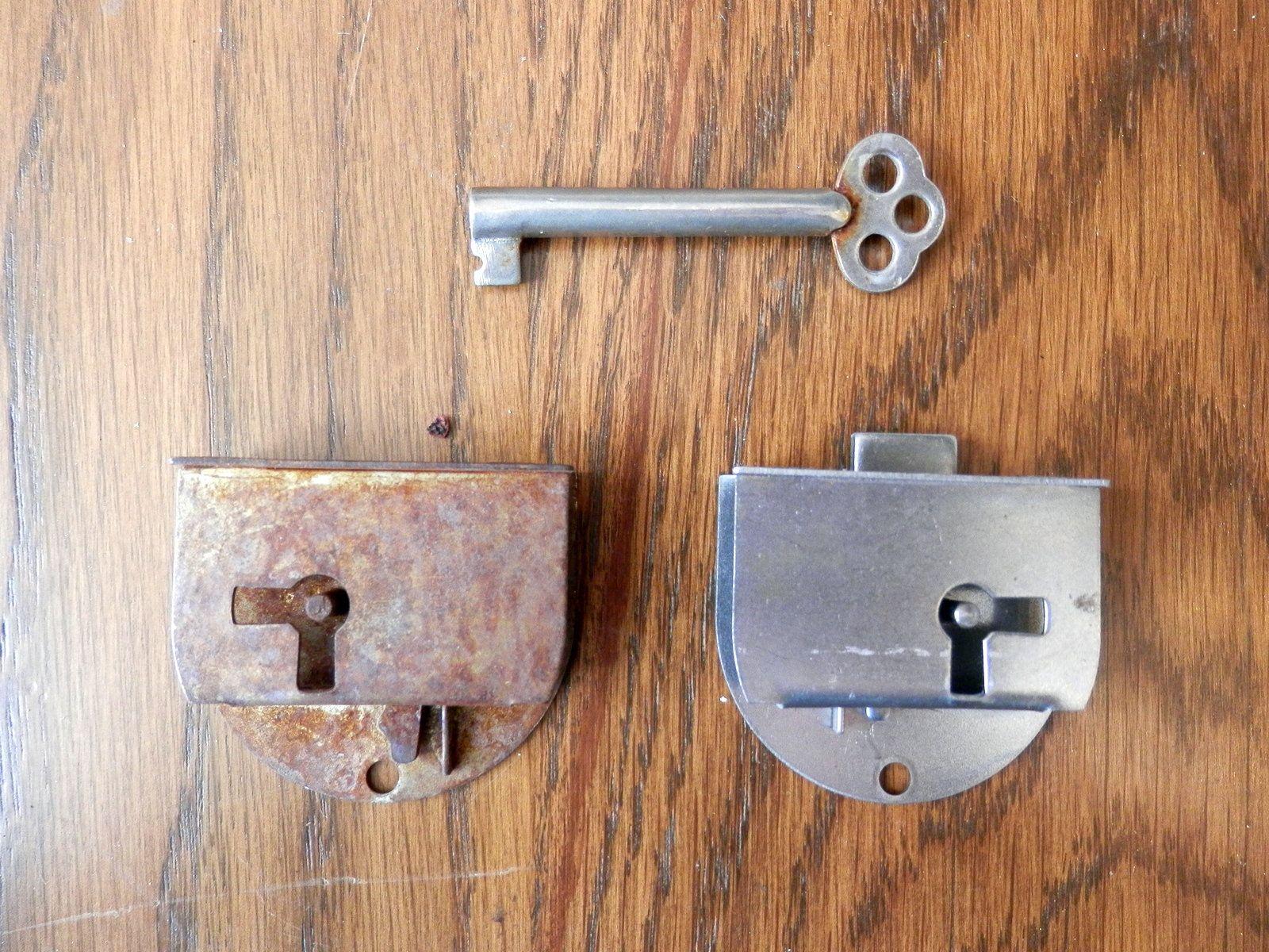 Original Antique Steamer Trunk Key  Eagle Lock Co 22U7