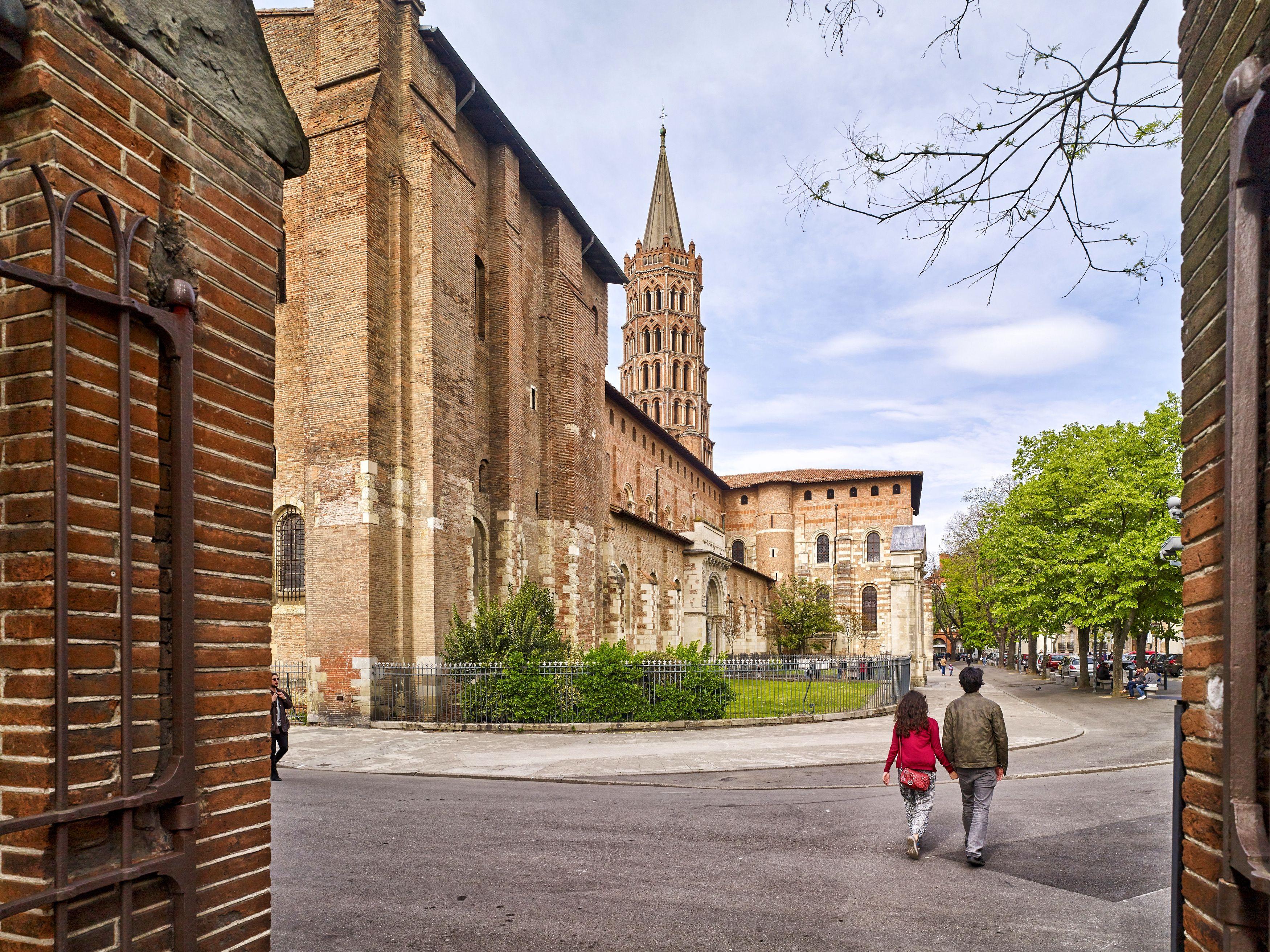 La Basilique Saint Sernin En 2020 Saint Sernin Toulouse Basilique Saint Sernin