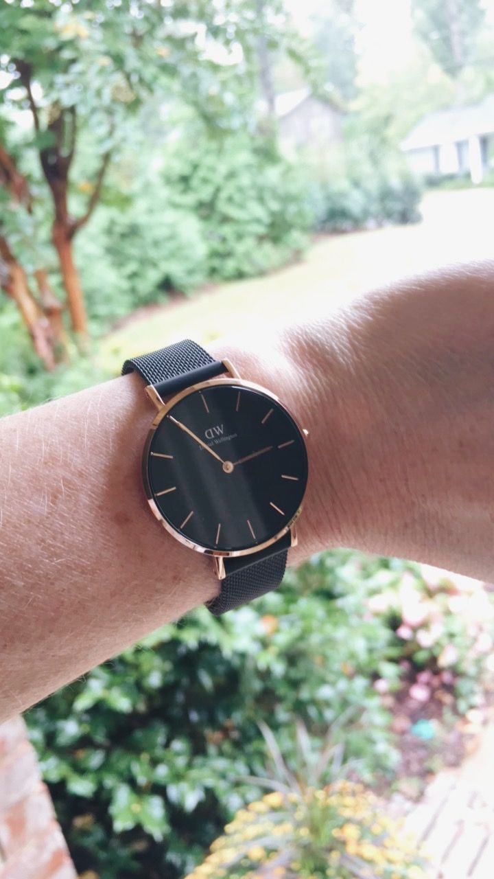120e606408bb Meet the new Daniel Wellington watch...the Classic Petite Ashfield! It  comes in either rose gold or silver. Use code CLASSYYETTRENDY15 for 15% off  your ...