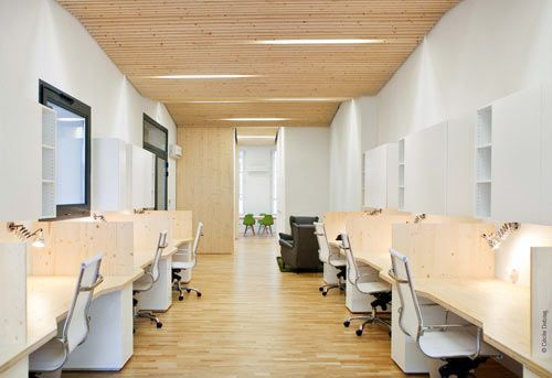 Clean Modern Office By Michael Menuet Architecte Design Milk Modern Office Design Modern Office Office Interior Design