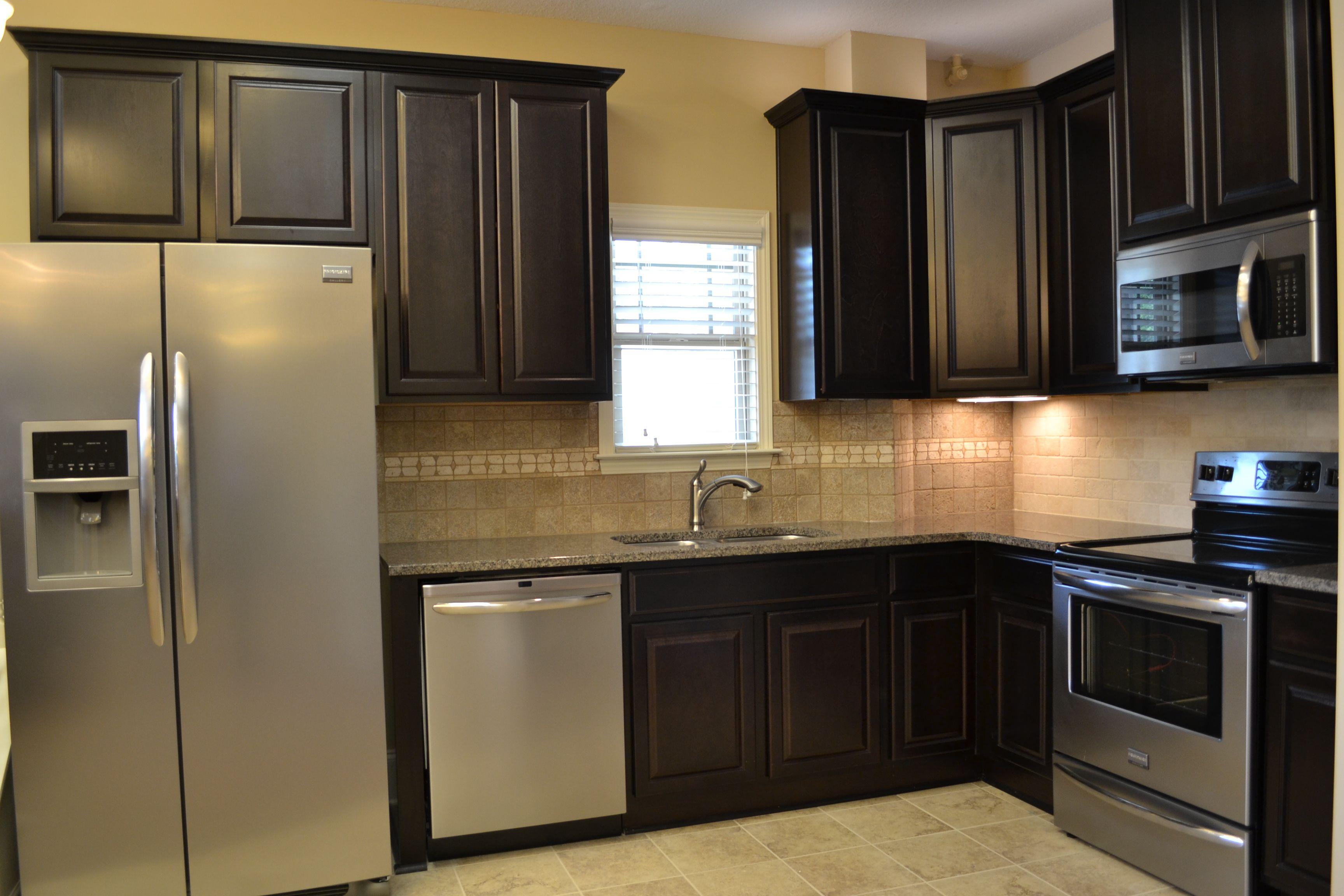 Come And Visit Our New Showroom At 2301 Airport Thruway In Columbus Ga Www Grayhawkhomesinc Com Home Kitchens Painting Cabinets Kitchen