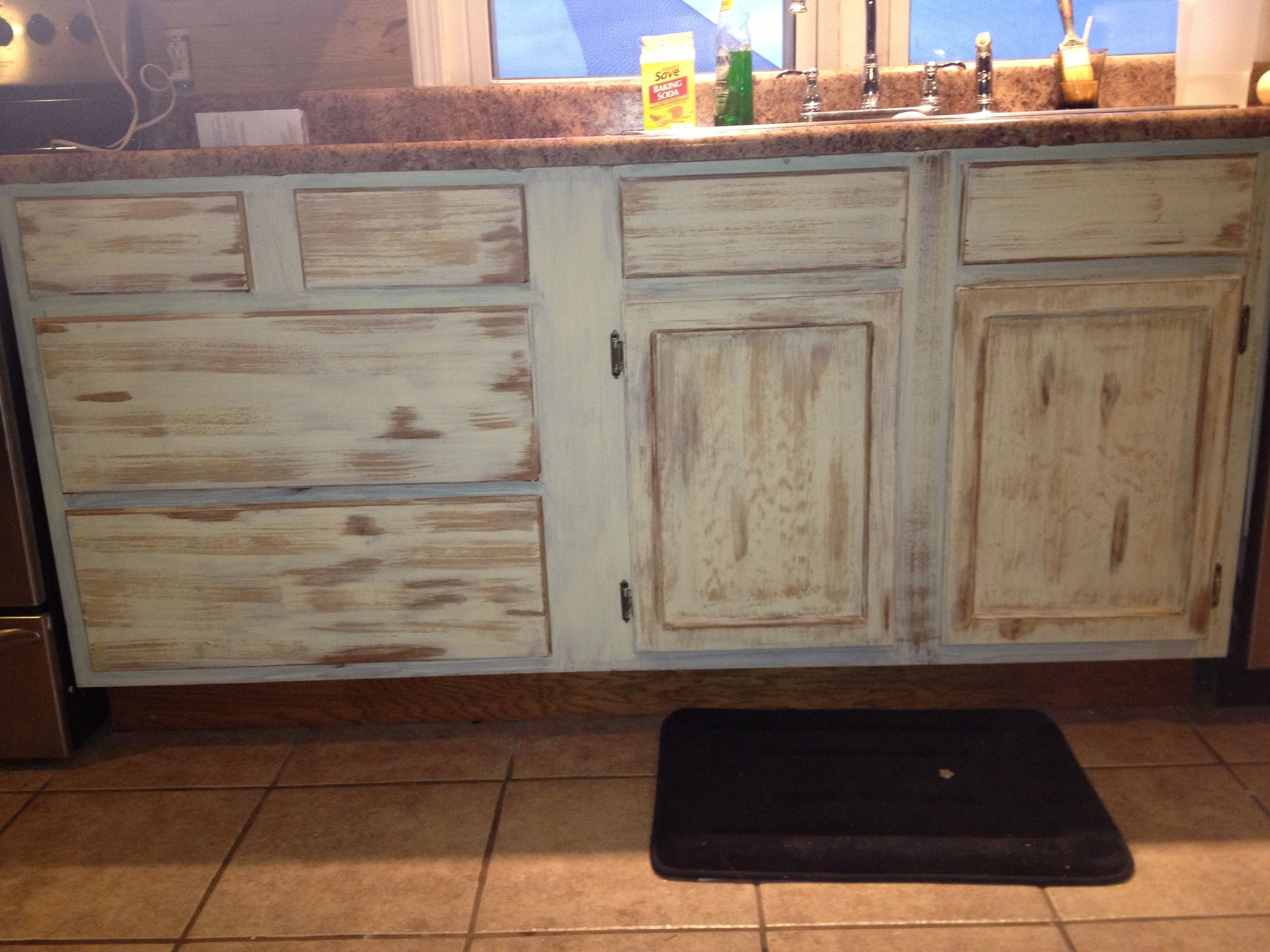 How to Antique Kitchen Cabinets picture