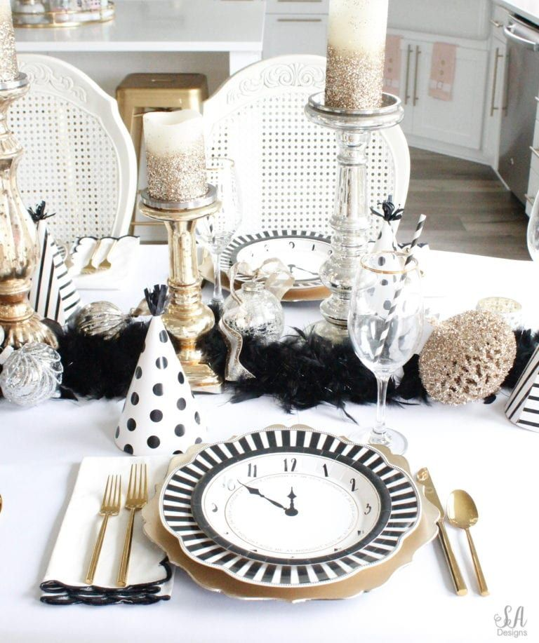 New Years Eve Tablescape + Fun Game Ideas New years eve