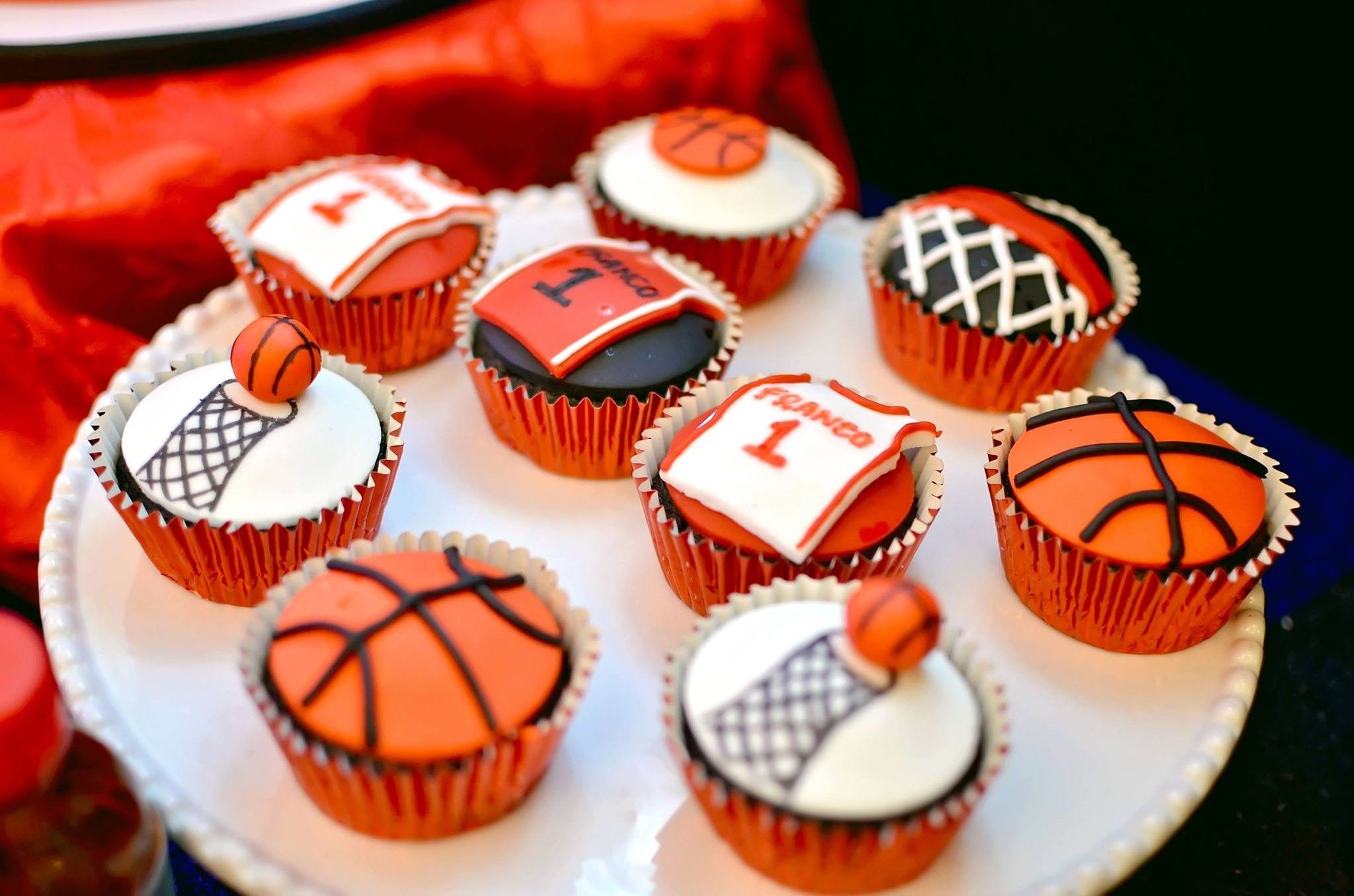 Pleasing Francos Basketball Themed Party 1St Birthday With Images Funny Birthday Cards Online Benoljebrpdamsfinfo