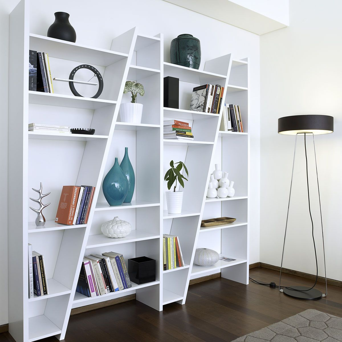 Etag re biblioth que delta blanche bibliotheque etagere biblioth que blanche et diagonale - Etagere echelle blanche ...