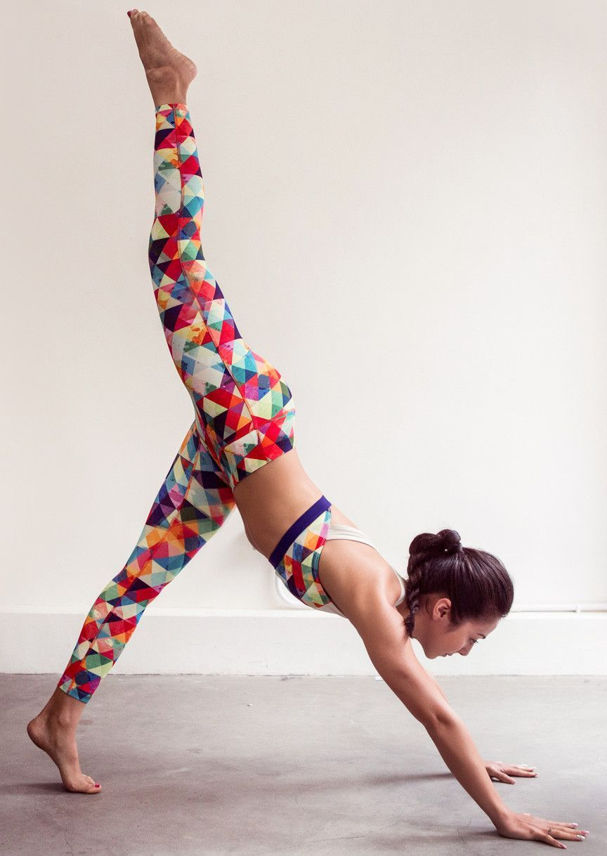 0bcb62d1b5 RUMI X Eco-Conscious Mid-Waist Light Leggings made of recycled plastic  bottles, eco-friendly rPET