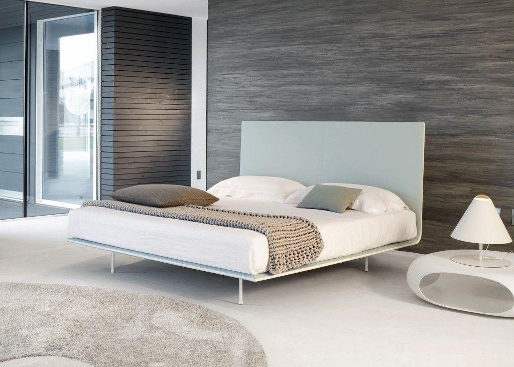 Thin Bed Bonaldo Montréal Minimalist bed, Minimalist