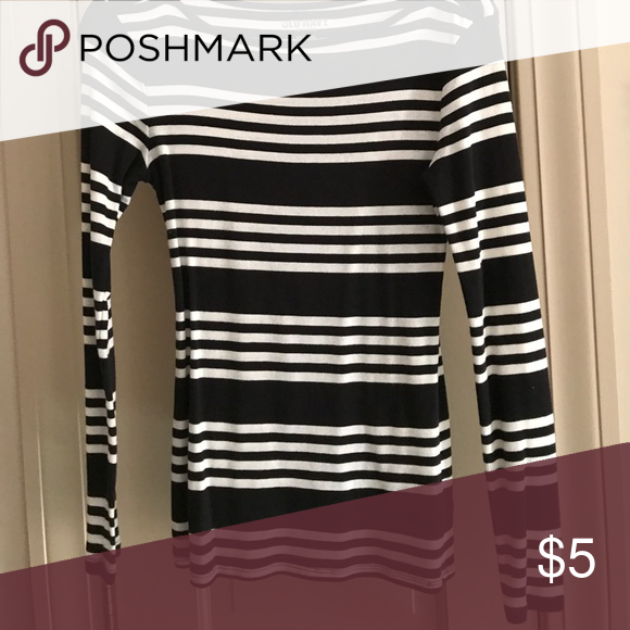 Old Navy boat neck tee Black and white striped knit long-sleeve tee Old Navy Tops Tees - Long Sleeve