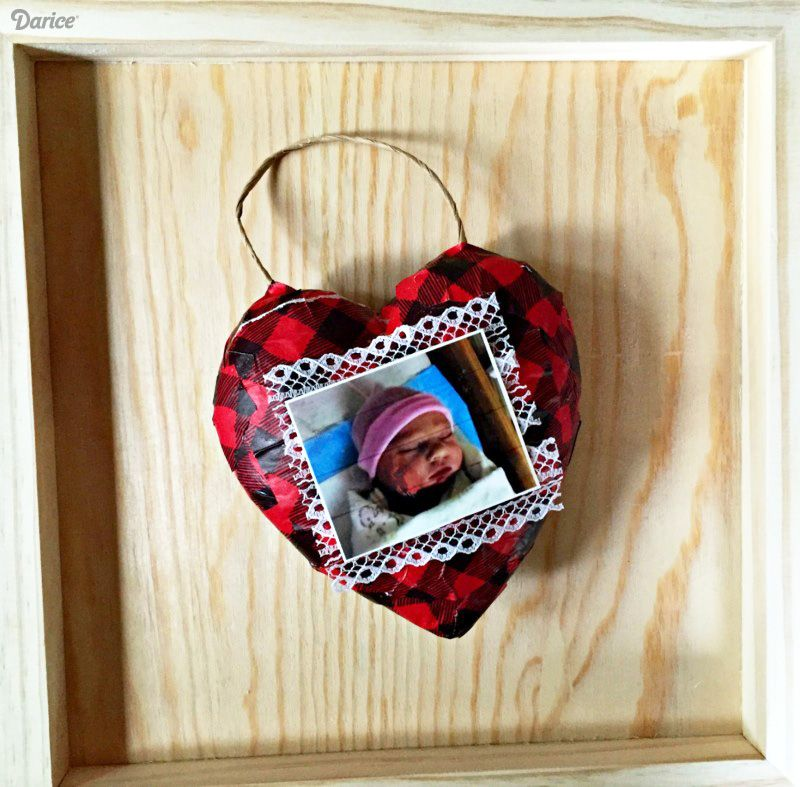 DIY Picture Ornaments Made With Recycled Wrapping Paper