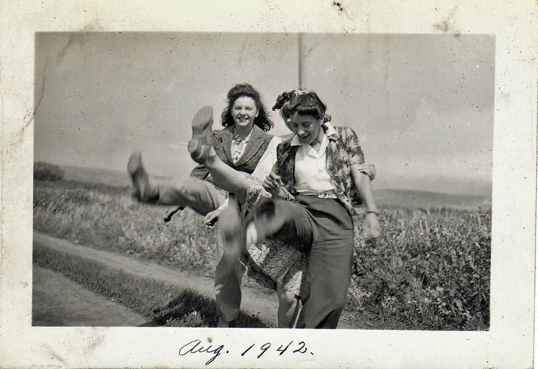40s era found photo women girls doing high kids rural farm