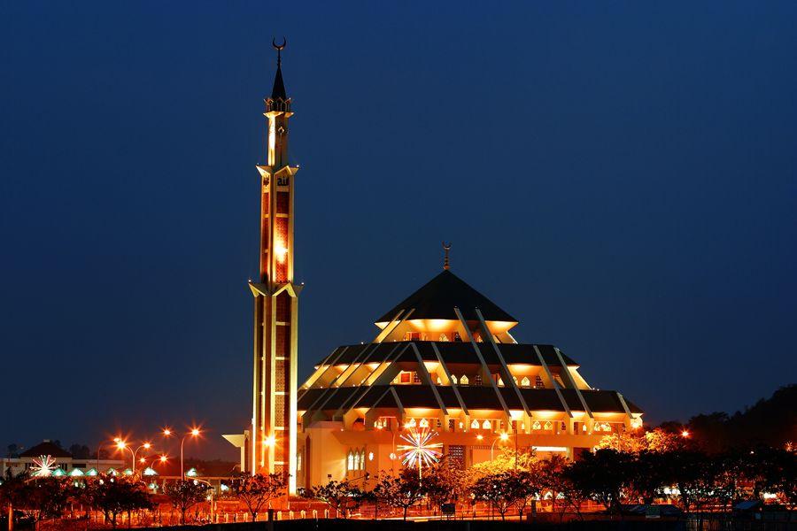 Batam Masjid Raya Batam Kota Batam Kepulauan Riau Masjid Beautiful Mosques Mosque