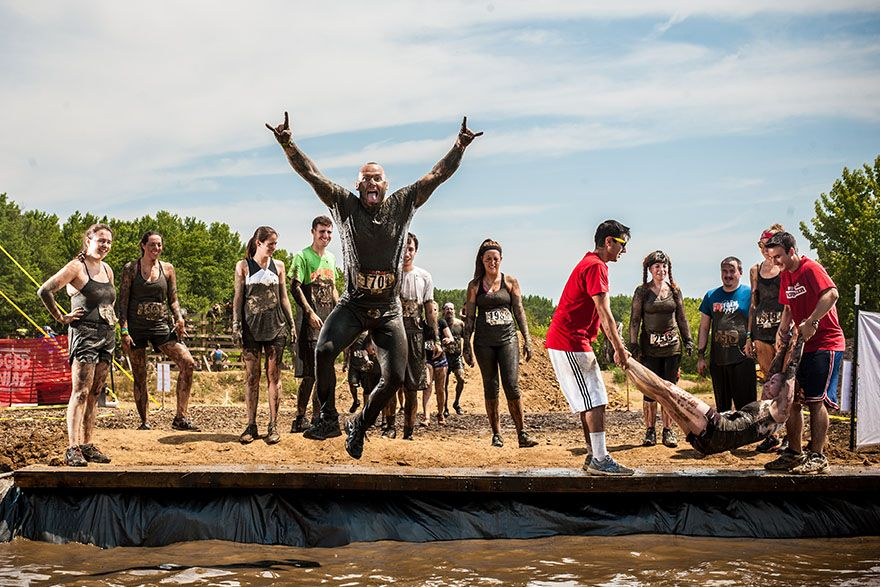 Rugged Maniac Obstacle Race Gets In With Mud Sweat And Beers