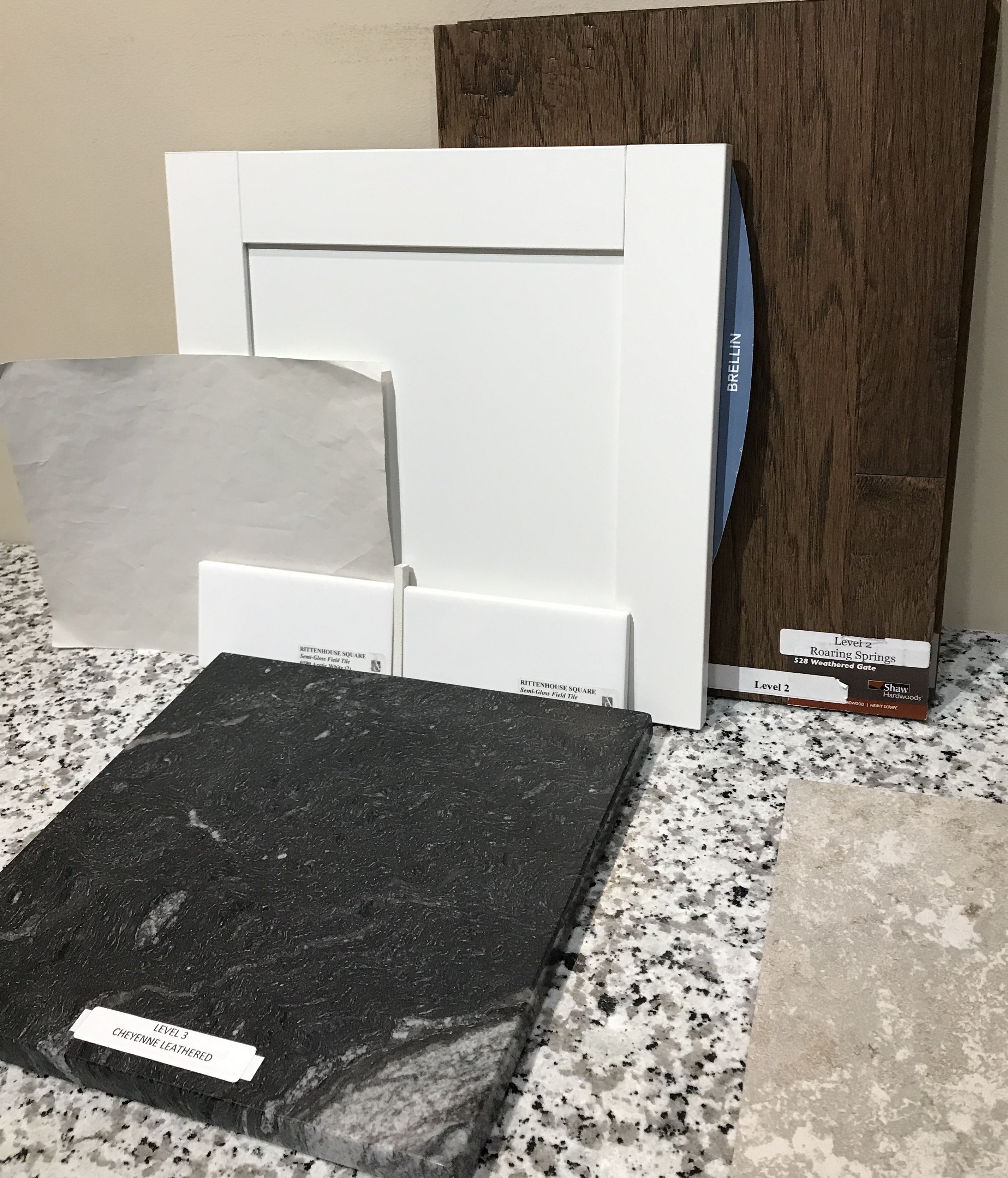 Best Kitchen Selections Aristokraft Cabinets Brellin In White 400 x 300