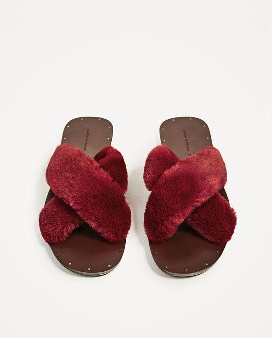 Zdjecie 4 Klapki Ze Skrzyzowanymi Paskami Ze Sztucznego Futerka Z Zara Velvet Slippers Slippers Heeled Ankle Boots
