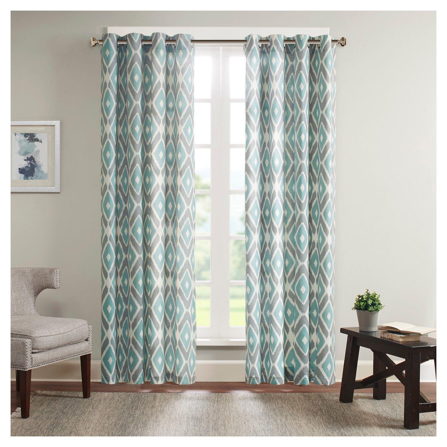 soft, durable poly/cotton/rayon construction • easyhang