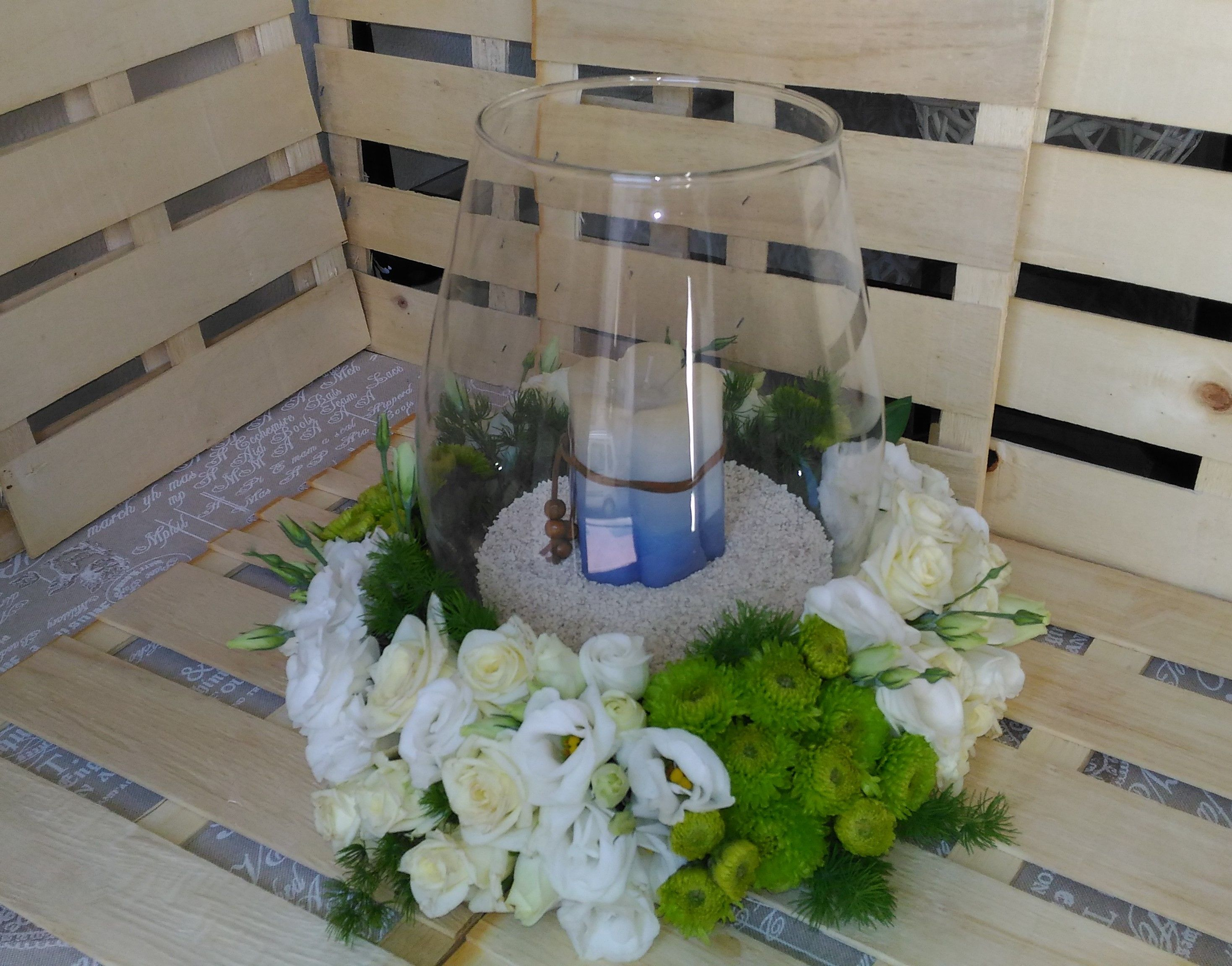 Wedding centertable with glass and candle