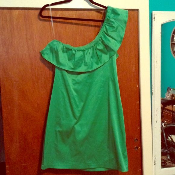 Single Shoulder Ruffle Mini Dress NWOT. Purchased at a boutique closing sale in ATL. Stretchy. Dresses Mini
