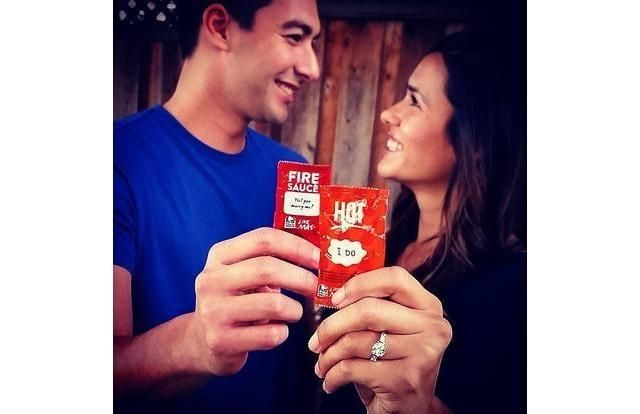 21 Perfect Engagement Announcements You Will Want to Copy LOLOLOLOL