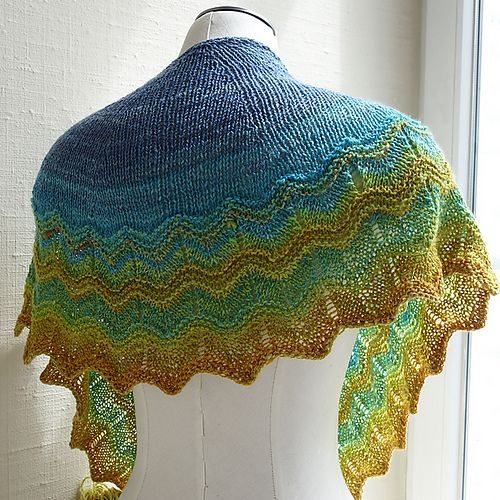 http://www.ravelry.com/patterns/library/crazy-magic-crescent | Mini ...