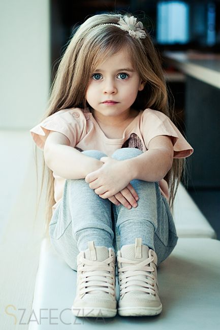 Redwhite Beauty With Images Cute Baby Girl Wallpaper Cute