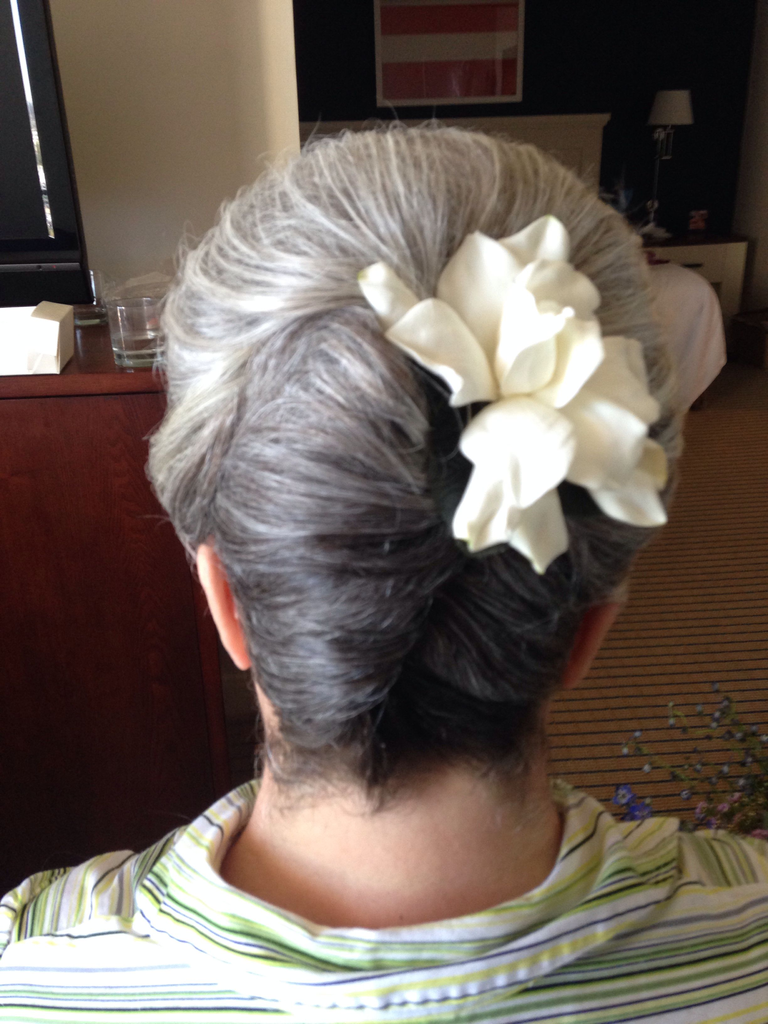Mother of the bride french twist short hair a girl can dream canut