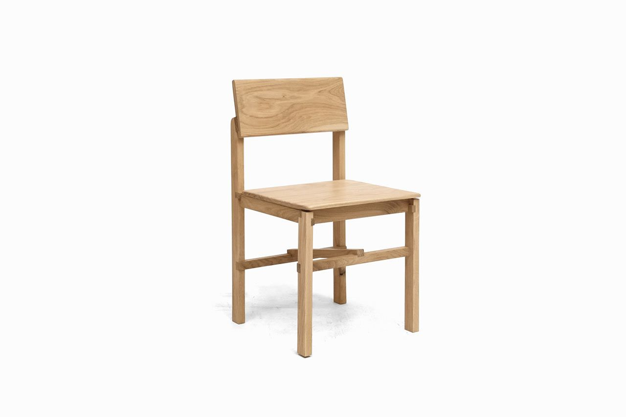 Montreuil Oak Chair Built With Glued Half Lap Joints By Sebastian Erazo Oak Chair Chair Minimalist Chair