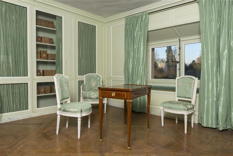 Petit Trianon, entresol, bibliothèque de Marie-Antoinette | Petit ...