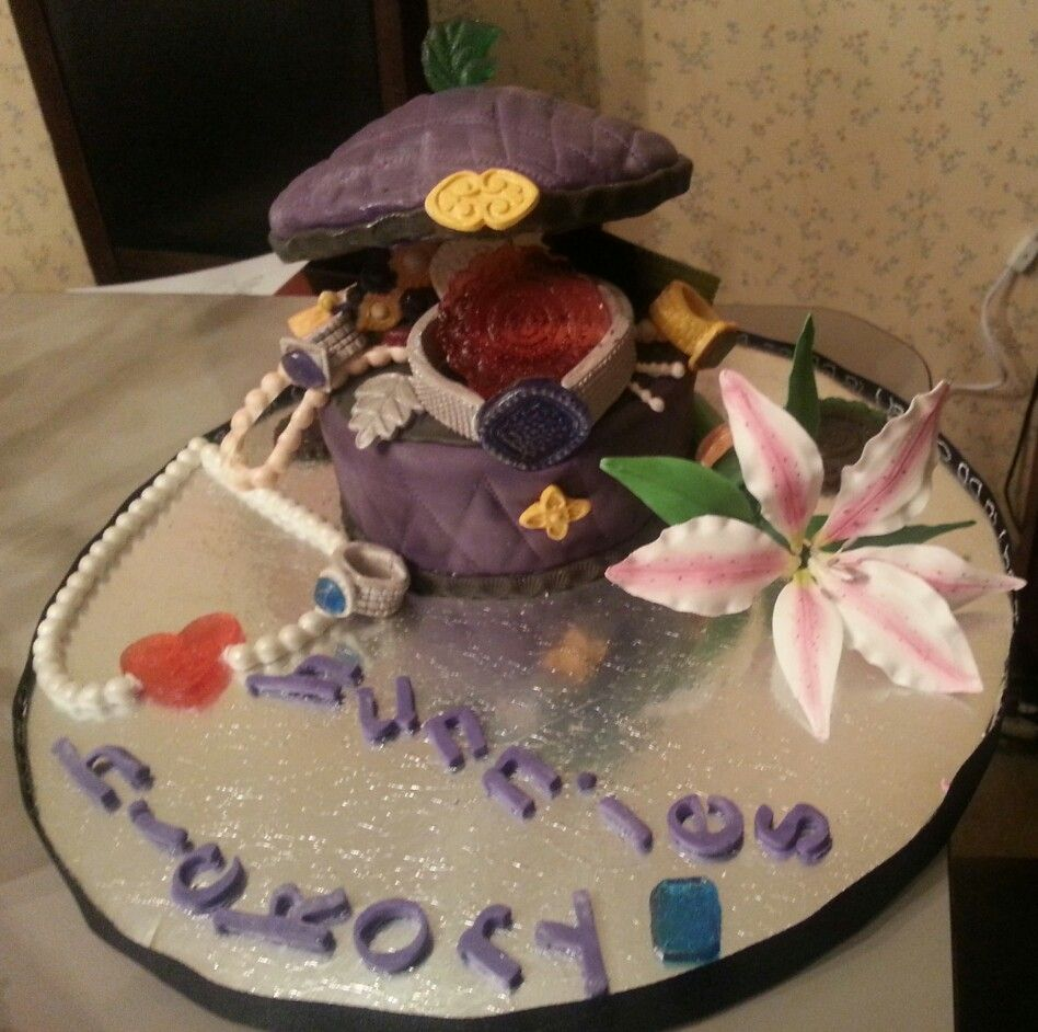 Jewelry box cake cakes by me sweetsoulfood creations pinterest