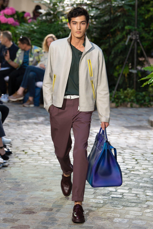 Hermès Spring 2019 Menswear Fashion Show Collection  See the complete Hermès  Spring 2019 Menswear collection. Look 10 cfa8f94c2eb