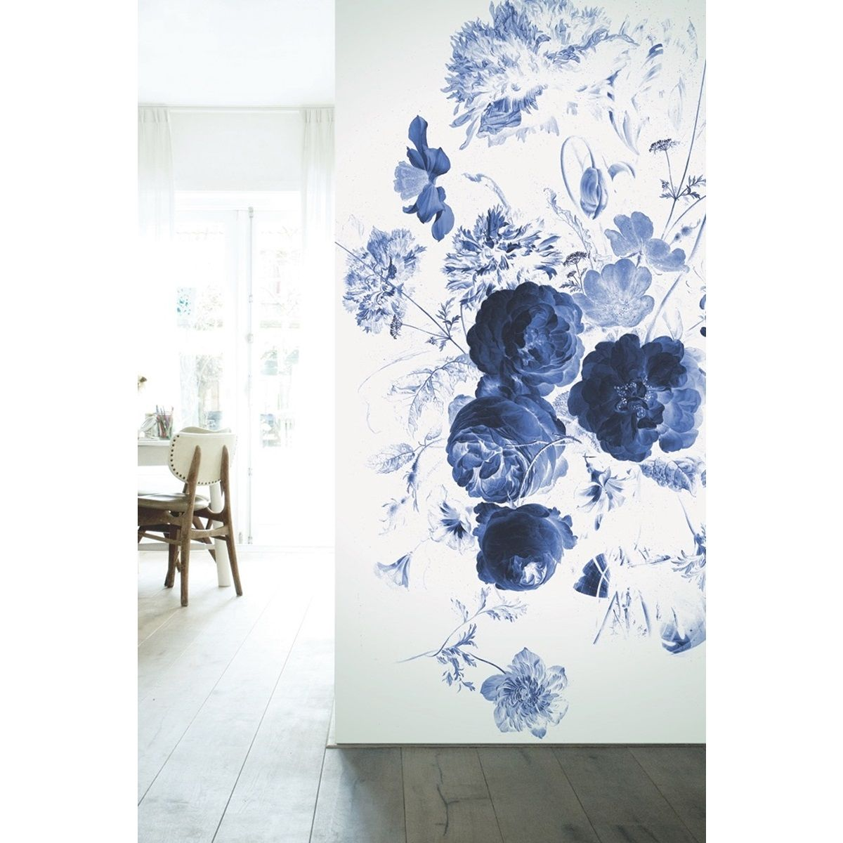 KEK Amsterdam Behang Royal Blue Flowers l - 4-baans | Living.nl