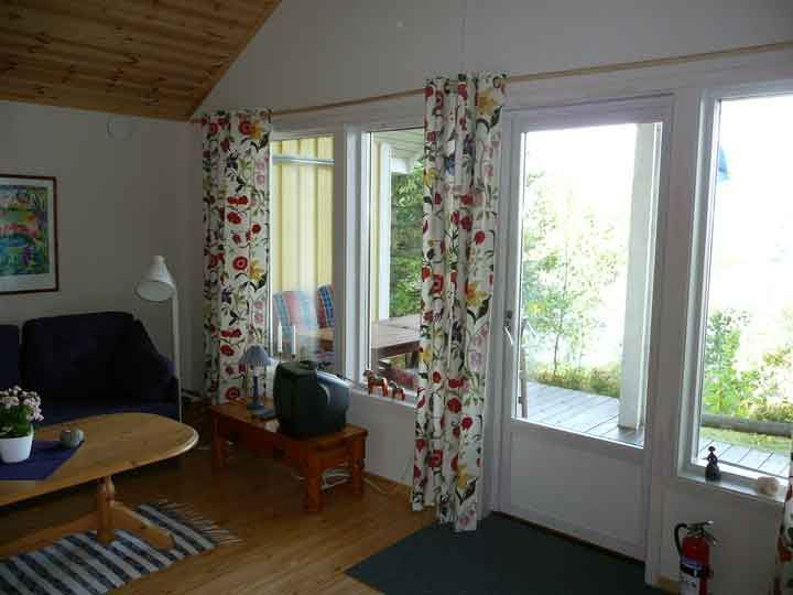 Hütte am see mien im südlichen småland mit aussicht småland schweden