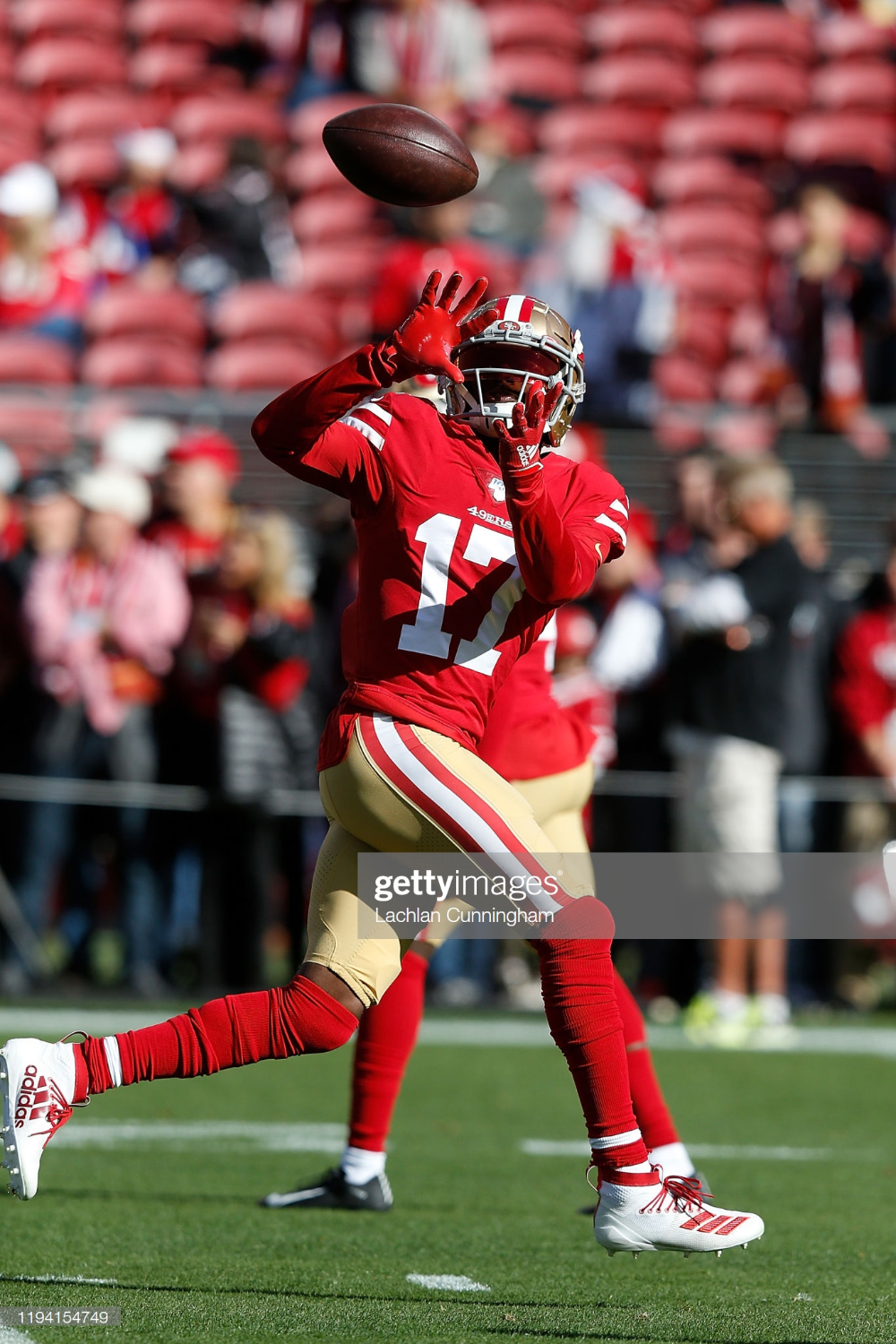 Emmanuel Sanders Of The San Francisco 49ers Warms Up Before The Game Nfl Football 49ers Emmanuel Sanders San Francisco 49ers