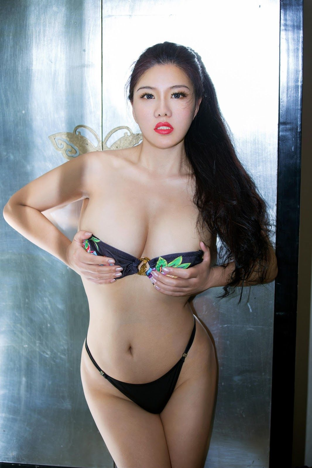 Asian elite escort