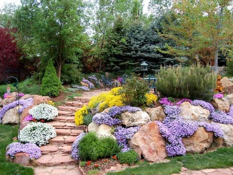 Jardin en pente moderne id es et conseils en 25 photos jardin de r ve rock garden design - Photos jardins en pente ...