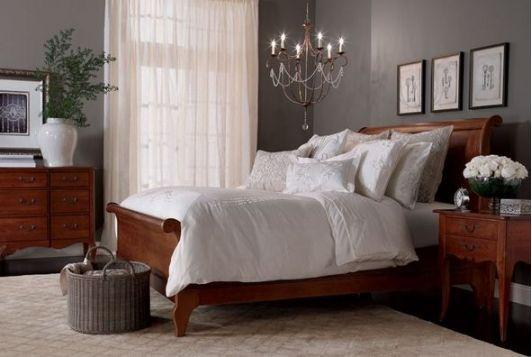 Romantic Bedroom Design With Chandelier Hanging Over Bed Headboard Home And Garden De Master Bedrooms Decor Ideas Pinterest Vintage