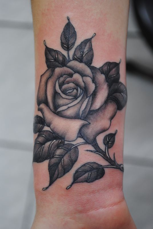 Black Flower Tattoos Wrist: Rose Tattoo Designs Inspiration