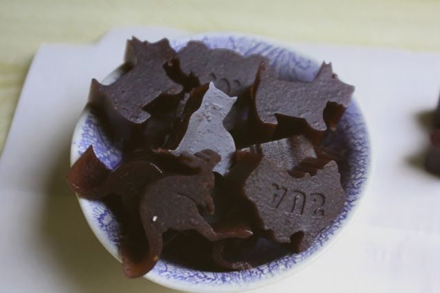 Don't Eat the Spatula: Blueberry-Pomegranate Gummies (AIP, Paleo)