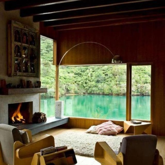 Come on in and stay all day! Lovely room - fireplace, rug, backdrop