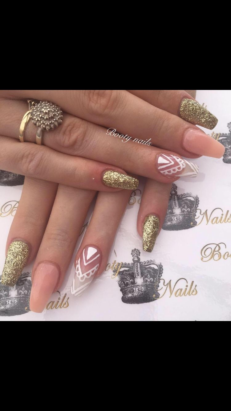 Peach Gold Acrylics With Hand Painted Nail Art Nail Designs Nails Nail Art